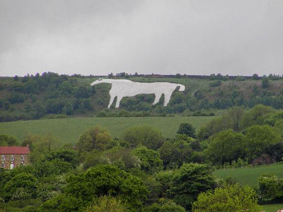 whitehorse-kilburn hill figure chalk art England