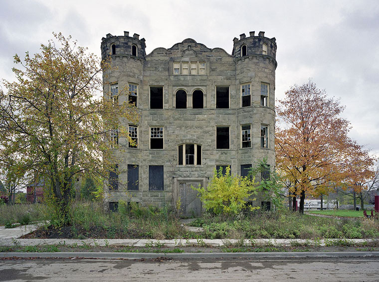 yves marchand romain meffre ruins of detroit luben apartment